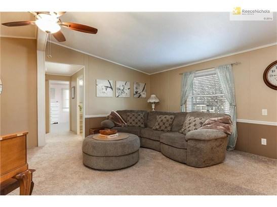 1010 Kouns Lane, Edwardsville, KS - USA (photo 2)