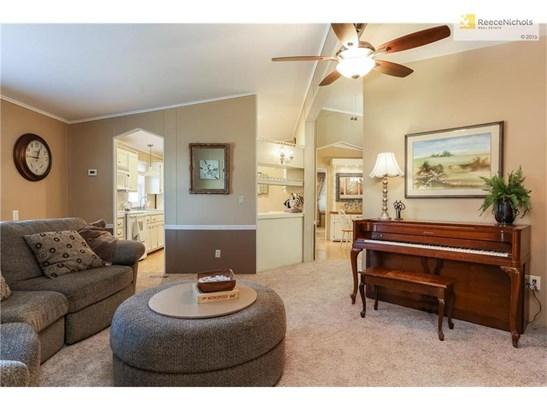 1010 Kouns Lane, Edwardsville, KS - USA (photo 4)