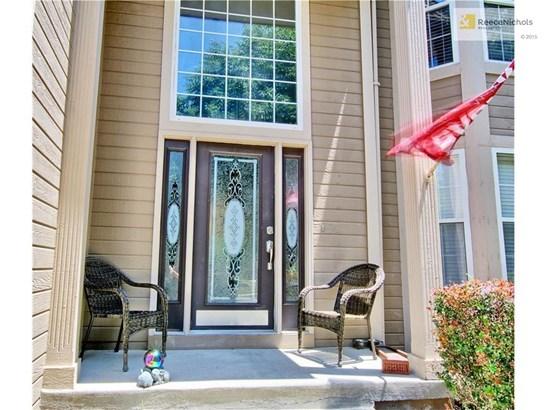 2424 Ne 2nd Terrace, Blue Springs, MO - USA (photo 2)