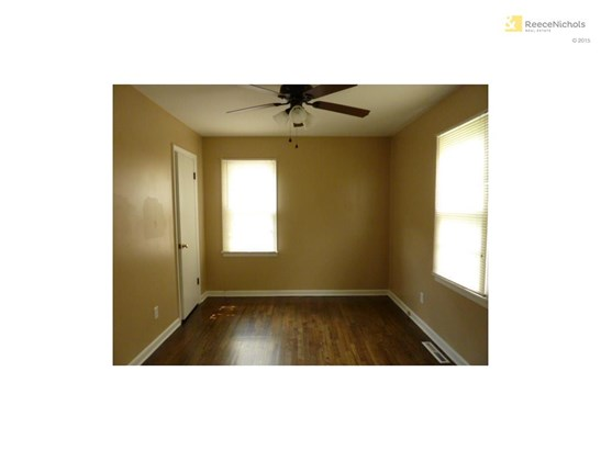 Bedroom 2 with wood floors (photo 5)