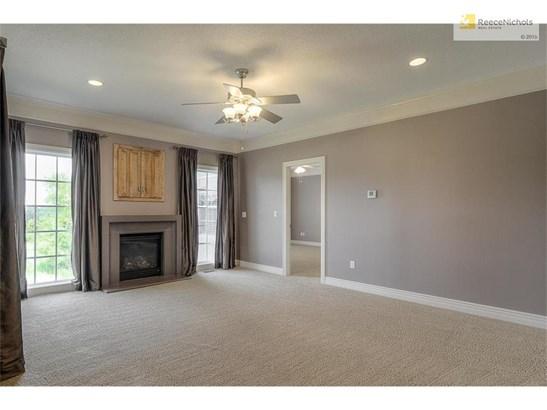 Great Room w/ Gas Starter Fireplace; Window treatments stay! (photo 5)