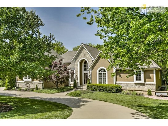 8924 Redbud Lane, Lenexa, KS - USA (photo 1)