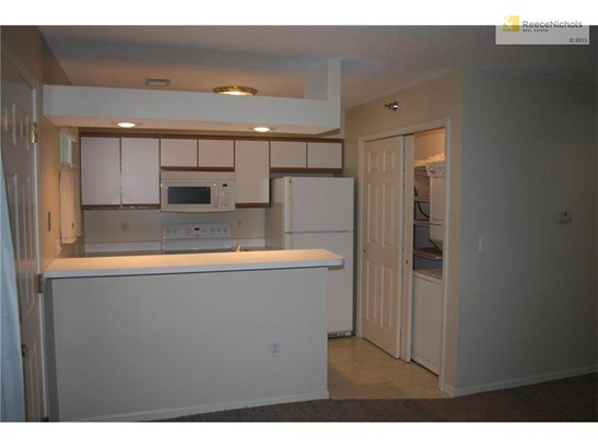 Kitchen with All Appliances including Washer Dryer (photo 5)