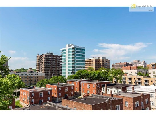 300 W 45th Terrace 302     , Kansas City, MO - USA (photo 2)