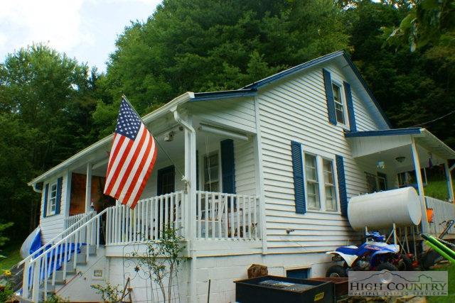Residential, Farmhouse - Vilas, NC (photo 2)