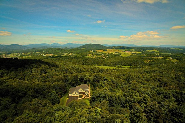 500 Forest Spring Ln, Boone, NC - USA (photo 2)