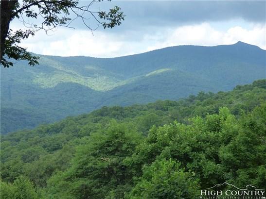 Land - Blowing Rock, NC