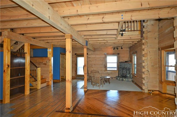 Residential, Adirondack,Log,Mountain - Deep Gap, NC (photo 4)