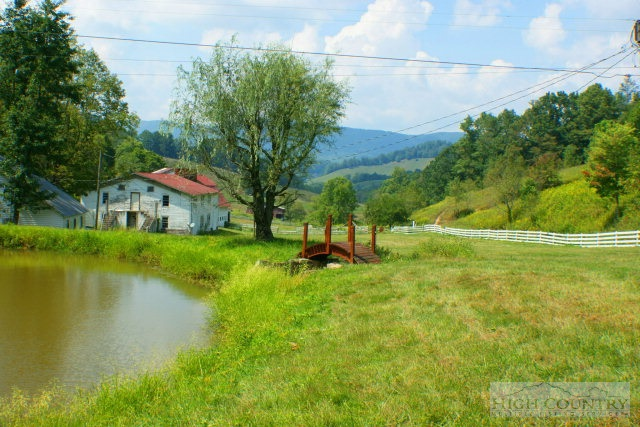 Residential, Farmhouse - Vilas, NC (photo 5)