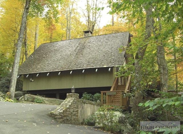 Chalet, Residential - Boone, NC (photo 2)