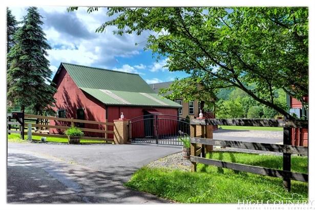 Residential, Farmhouse - Banner Elk, NC (photo 4)