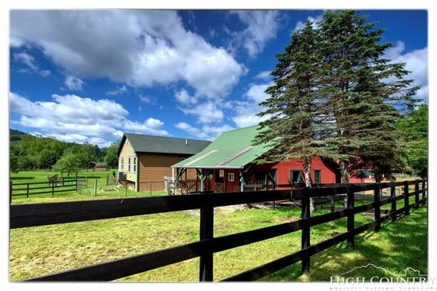 Residential, Farmhouse - Banner Elk, NC (photo 5)