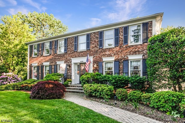 Colonial, Multi Floor Unit, Single Family - Florham Park Boro, NJ (photo 2)