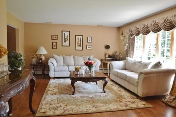 Single Family, Custom Home, Split Level - East Hanover Twp., NJ (photo 2)