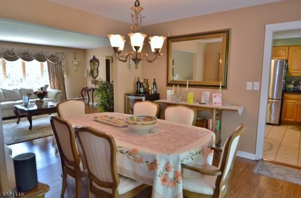 Single Family, Custom Home, Split Level - East Hanover Twp., NJ (photo 3)