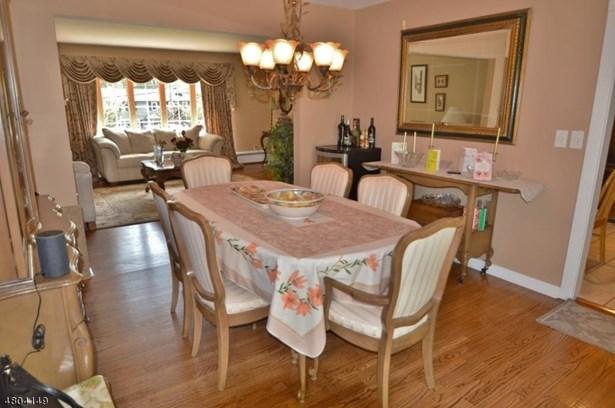 Single Family, Custom Home, Split Level - East Hanover Twp., NJ (photo 4)