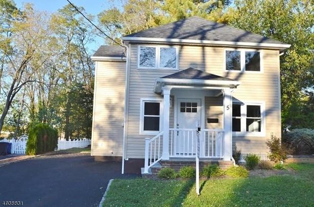 Colonial, Single Family - Madison Boro, NJ