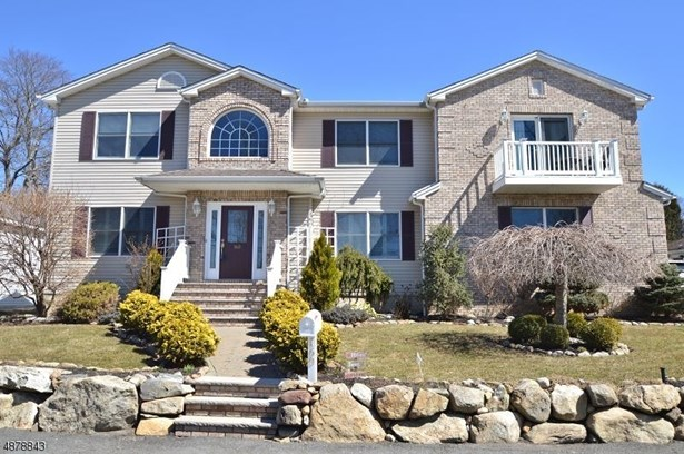Colonial, Single Family - Mount Olive Twp., NJ