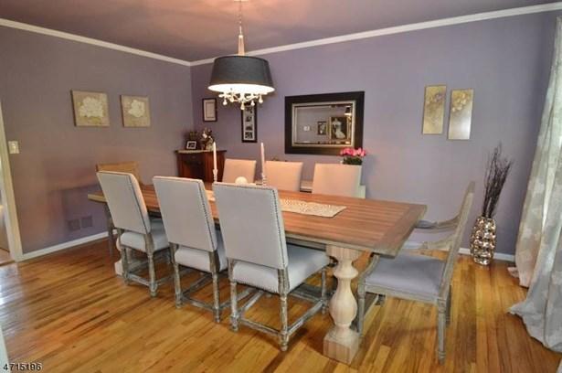 Colonial, Single Family - Morris Twp., NJ (photo 3)