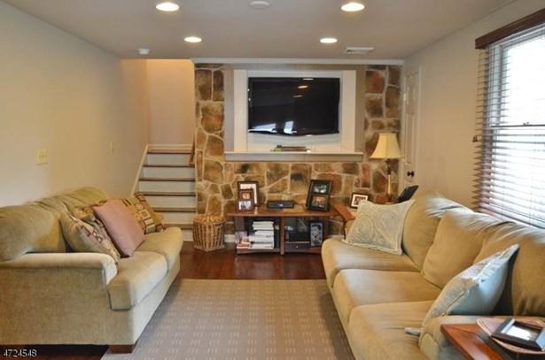 Split Level, Single Family - Florham Park Boro, NJ (photo 3)