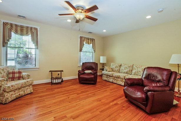 Expanded Ranch, Ranch, Single Family - Florham Park Boro, NJ (photo 3)
