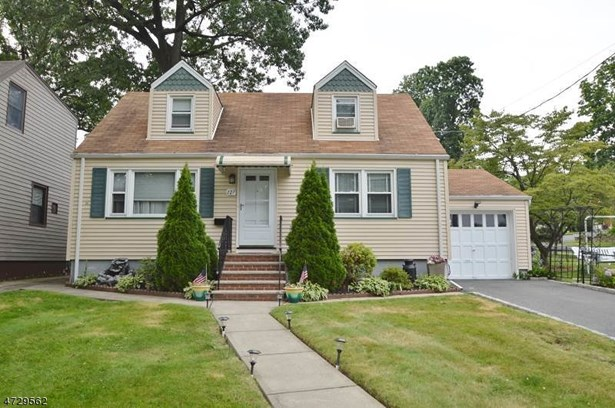 Cape Cod, Single Family - Nutley Twp., NJ (photo 1)