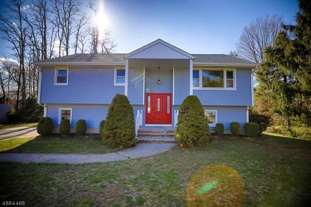 Bi-Level, Single Family - East Hanover Twp., NJ