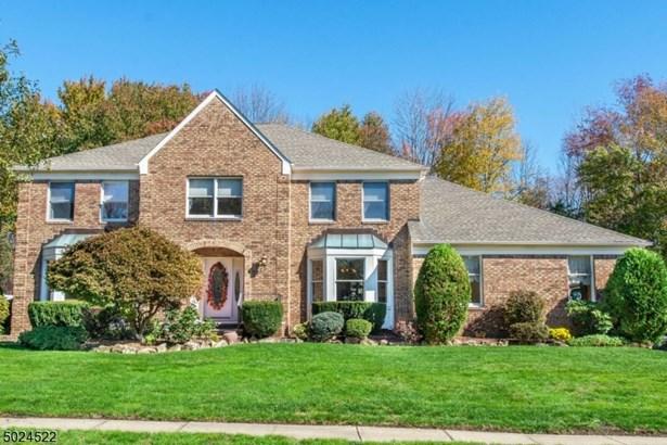 Colonial, Single Family - East Hanover Twp., NJ