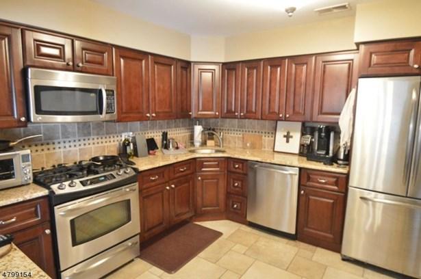 Multi Floor Unit, Townhouse-Interior - Madison Boro, NJ (photo 4)