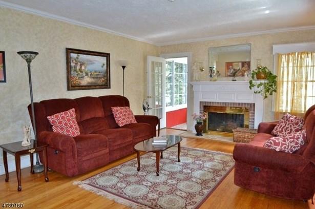 Multi Floor Unit, Colonial, Single Family - Florham Park Boro, NJ (photo 2)