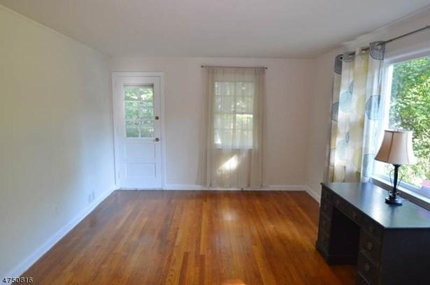 Cape Cod, Multi Floor Unit, Single Family - Parsippany-Troy Hills Twp., NJ (photo 2)