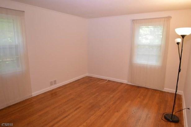 Cape Cod, Multi Floor Unit, Single Family - Parsippany-Troy Hills Twp., NJ (photo 3)