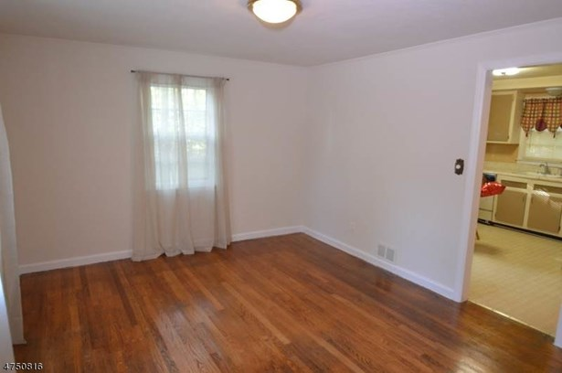 Cape Cod, Multi Floor Unit, Single Family - Parsippany-Troy Hills Twp., NJ (photo 4)