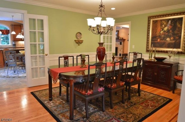 Expanded Ranch, Single Family - East Hanover Twp., NJ (photo 2)