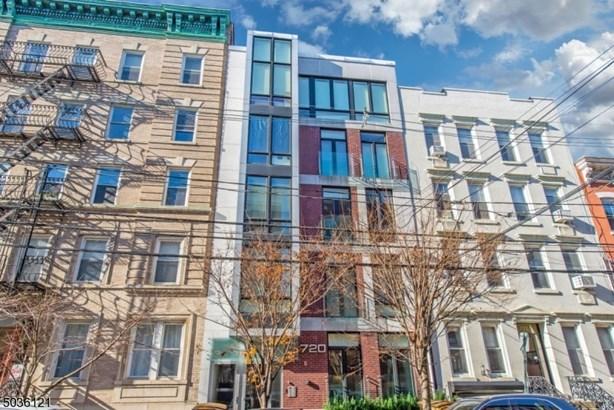 One Floor Unit, First Floor Unit, Single Family - Hoboken City, NJ