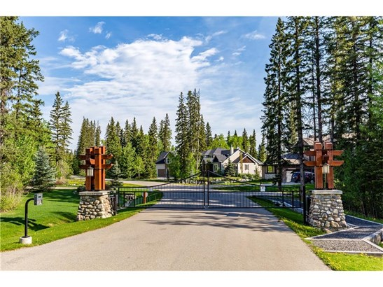 44 Wintergreen Wy, Bragg Creek, AB - CAN (photo 1)