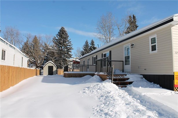 825 Bayview Cr, Strathmore, AB - CAN (photo 1)