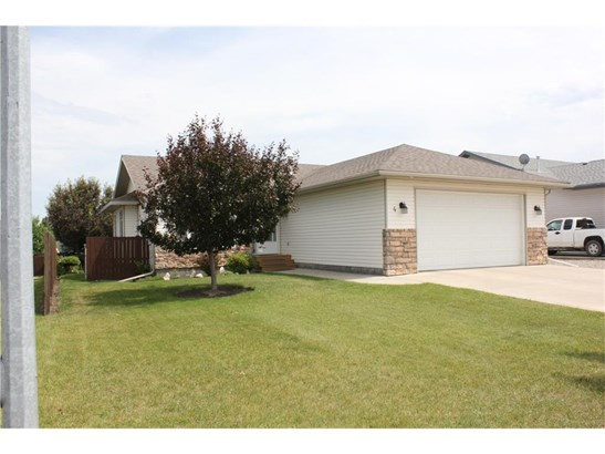 4 Westpoint Dr, Didsbury, AB - CAN (photo 2)