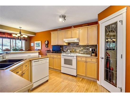 113 West Lakeview Cr, Chestermere, AB - CAN (photo 4)
