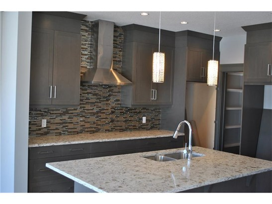 112 Baysprings Co, Airdrie, AB - CAN (photo 4)
