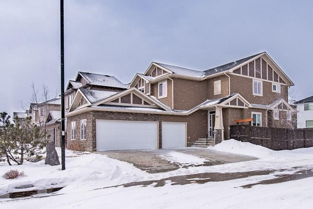 579 West Chestermere Dr, Chestermere, AB - CAN (photo 1)