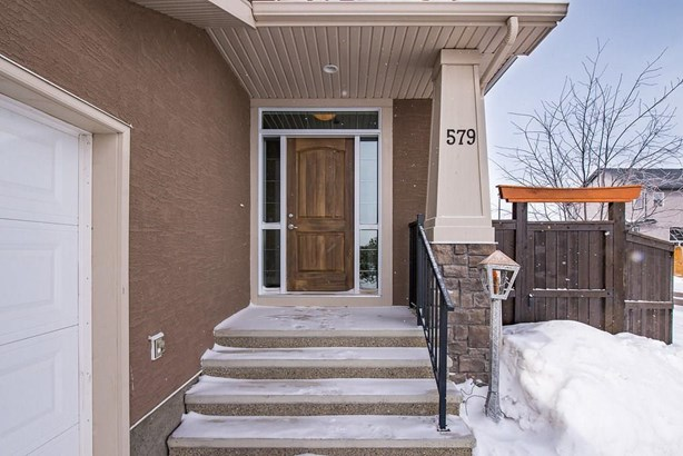 579 West Chestermere Dr, Chestermere, AB - CAN (photo 5)