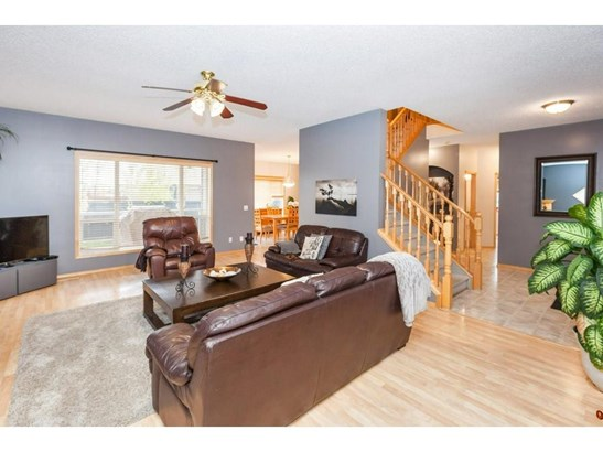 119 Canoe Pl Sw, Airdrie, AB - CAN (photo 4)