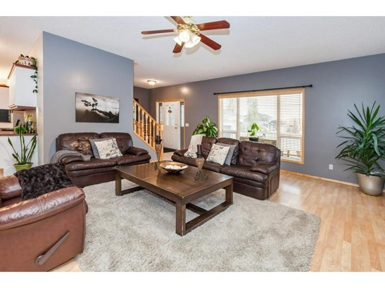 119 Canoe Pl Sw, Airdrie, AB - CAN (photo 5)