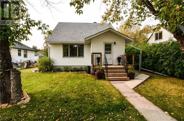 3706 42  Ave, Red Deer, AB - CAN (photo 1)