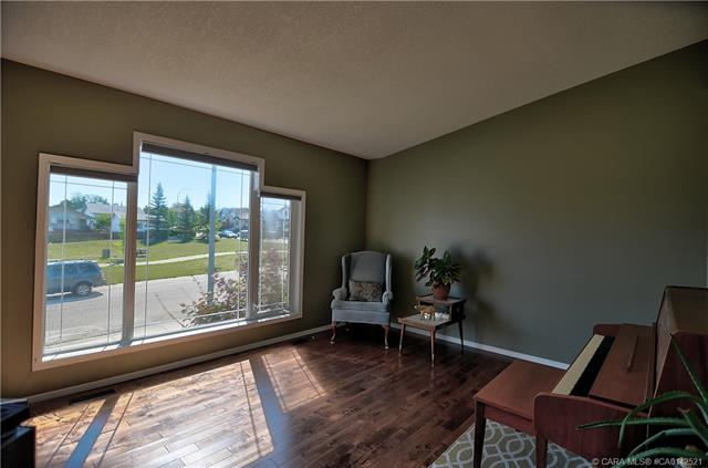 74 Fenwood  Close, Sylvan Lake, AB - CAN (photo 5)