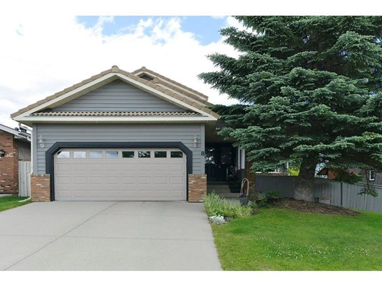 8 Woodacres Dr Sw, Calgary, AB - CAN (photo 1)