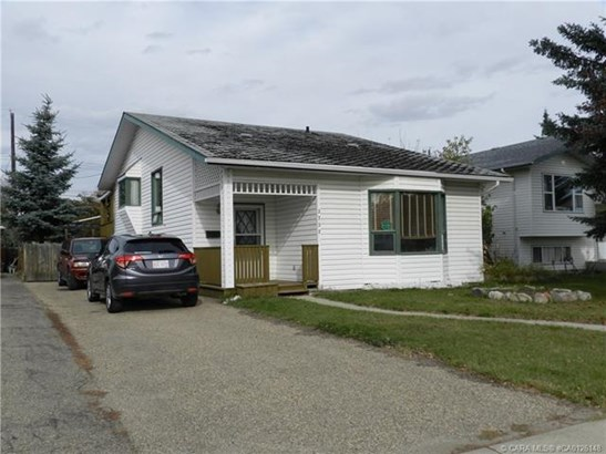 3732 47  St, Red Deer, AB - CAN (photo 1)