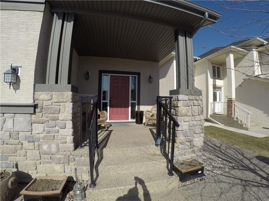 505 Marina Dr, Chestermere, AB - CAN (photo 2)