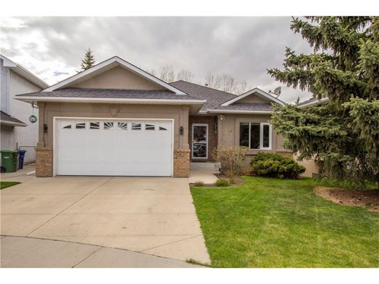 140 Waterstone Pl Se, Airdrie, AB - CAN (photo 1)
